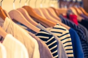 【画像】大手アパレルブランド「H&M」がエロゲみたいな服を販売